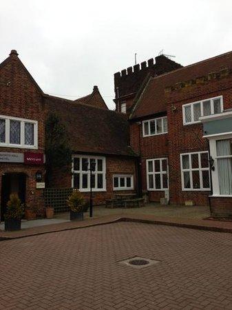 Mercure Letchworth Hall:                   entrance