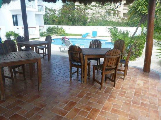 Tanik Condominiums:                   Pool at Tanik