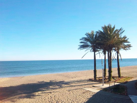 Hotel & Spa Benalmadena Palace:                   the beach 5 minutes walk from hotel