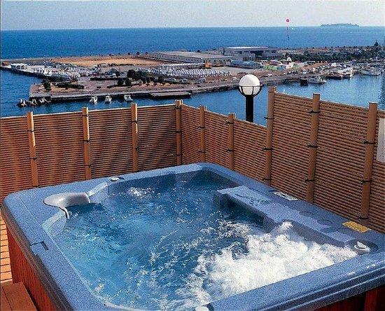 Tamanoyu: Open Air Bath