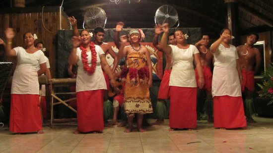 Le Lagoto Resort & Spa: Traditional dances