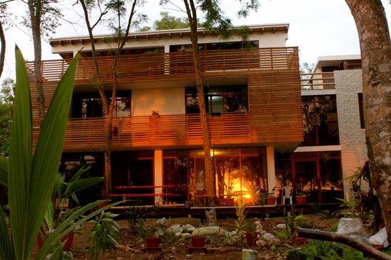 Spondylus Lodge Hotel