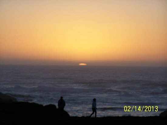 Ocean View Lodge:                                     SPECTAULAR sunset