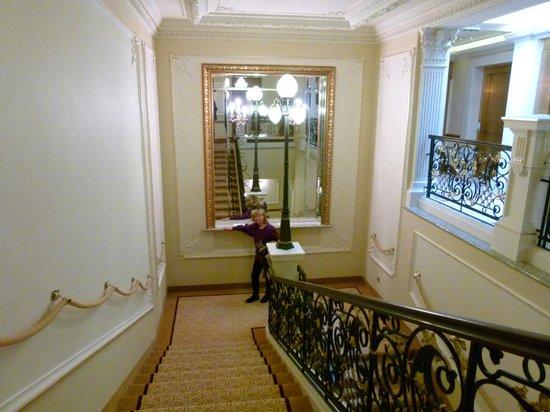 Quisisana Palace:                   elegantes Treppenhaus