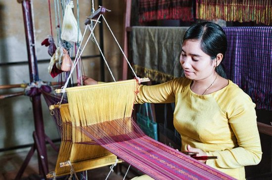 MerPerle Hon Tam Resort: Cham Weaving