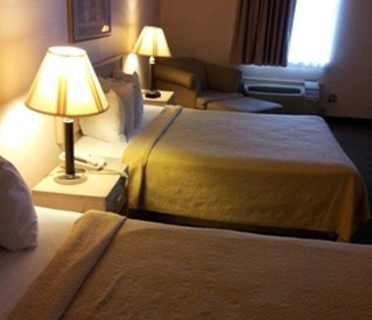 Amco Hotel and Suites: Doublebeds