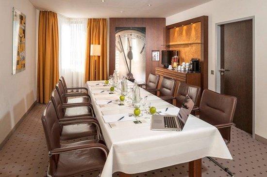 Dorint Hotel Frankfurt-Niederrad: Boardroom
