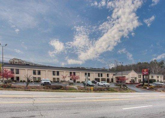 Clarion Inn: Exterior