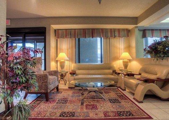 Clarion Inn: Lobby