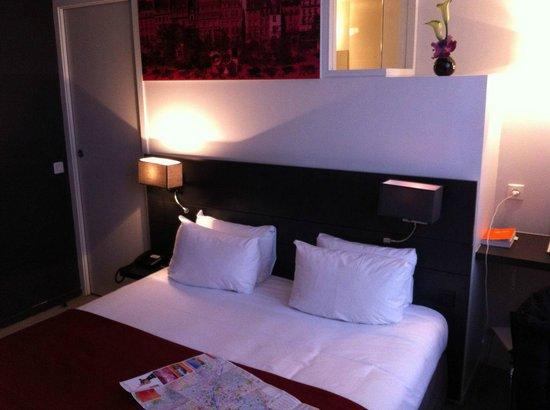 Hotel Le Bailli de Suffren:                   Chambre double