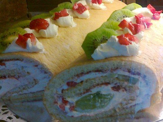 Cafe del Art: Fresh Fruit Soft Roulade