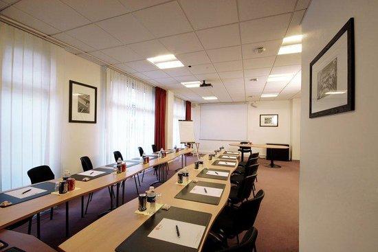 Sejours & Affaires Grande Arche: Meeting room