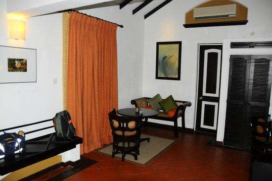 Cinnamon Lodge Habarana:                   Our room (n° 100)