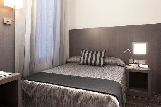 Dalia Ramblas : Guest Room