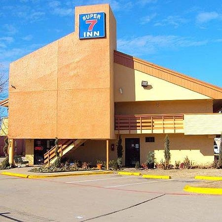 Motel 6 Dallas East
