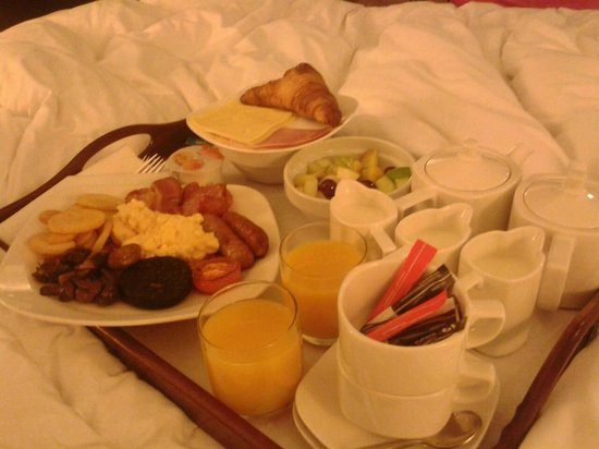 ‪‪Park Inn by Radisson Manchester, City Centre‬:                   Room Service Breakfast In Bed