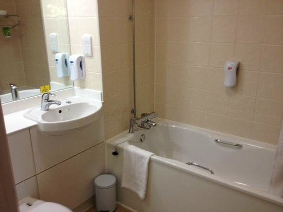 Bathroom picture of premier inn london heathrow airport bath road hotel hounslow tripadvisor Premiere bathroom design reviews