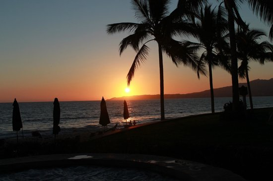Villa La Estancia:                                     Another lovely sunset