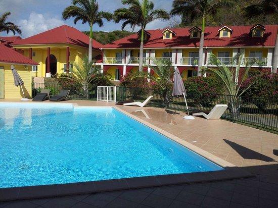 Cap Reva: aile droite face piscine
