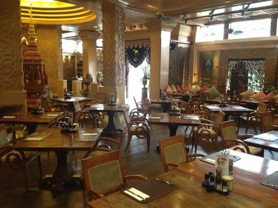 The Baray Villa:                   ontbijtzaal