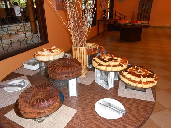 Resort La Torre:                   Desayuno