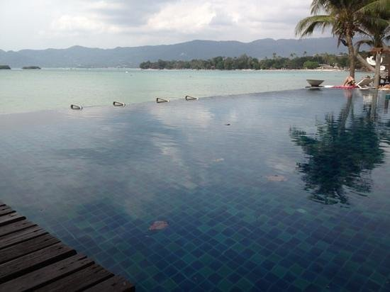 Baan Haad Ngam Boutique Resort & Villas:                   amazing view all you need is a Chang
