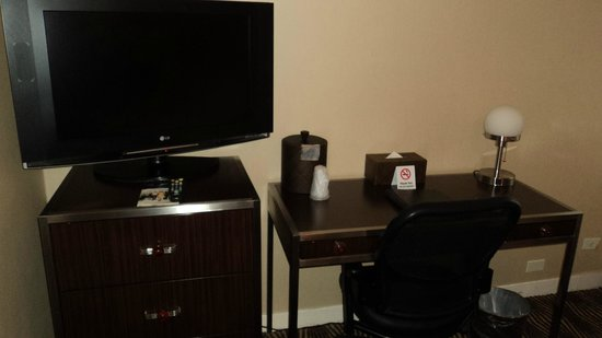 Wyndham New Yorker Hotel:                   TV and desk area