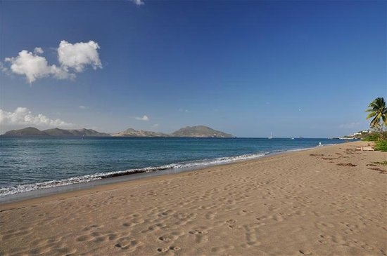 Banyan Tree Bed and Breakfast:                   Beach on Nevis