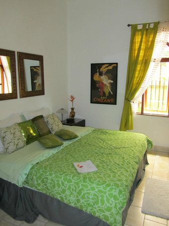 Hotel Mellow Yellow: Room 17