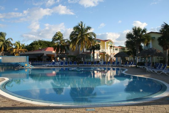 IBEROSTAR Tainos:                                     piscine principale
