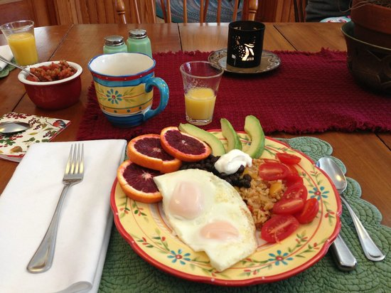 ‪‪Farmhouse Inn at Robinson Farm‬:                   Huevos Rancheros Breakfast