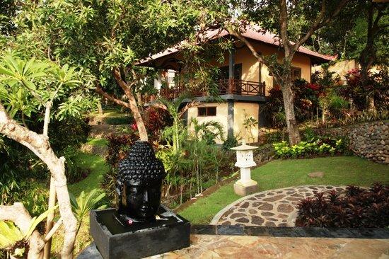 Puri Mangga Sea View Resort & Spa: The Palm House