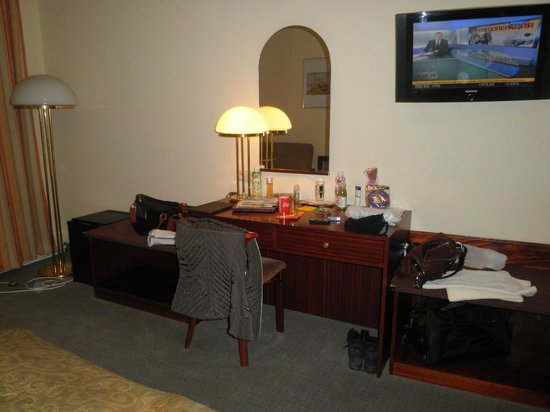 Hotel-Pension Continental:                   triple-room