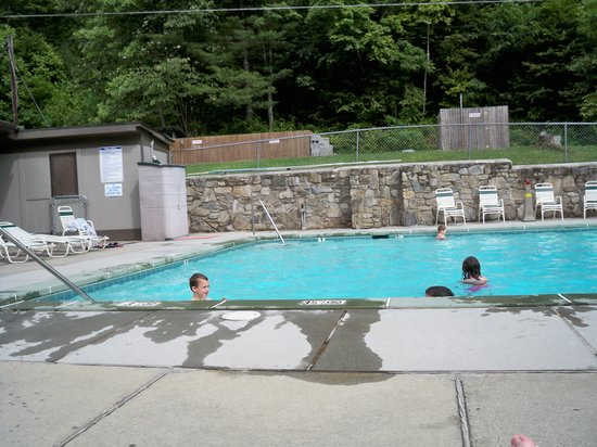 Yogi in the Smokies:                   Swimming pool