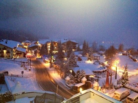 Sonnhof Alpendorf:                                     vista sera dalla camera 208