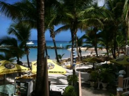 Coco Reef Tobago:                   Nice Beach Area