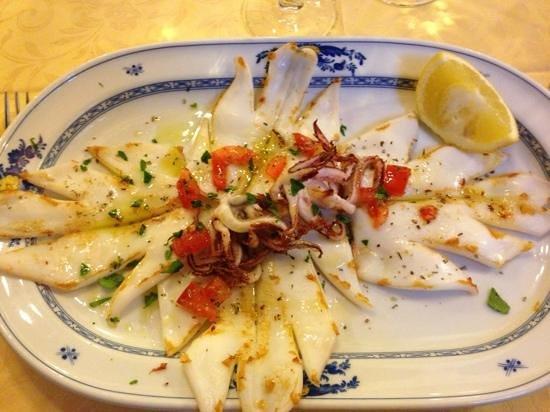 Osteria della Collina:                                     calamari alla griglia!!!!