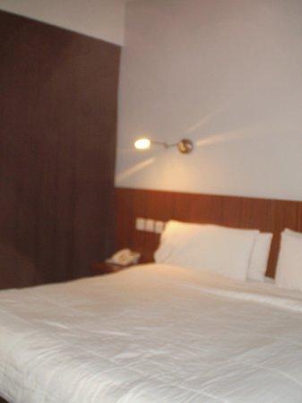 Epico Recoleta Hotel: cama extragrande