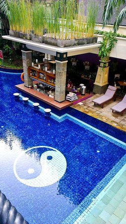 Permata Kuta Hotel:                   1st floor room facing nice pool view