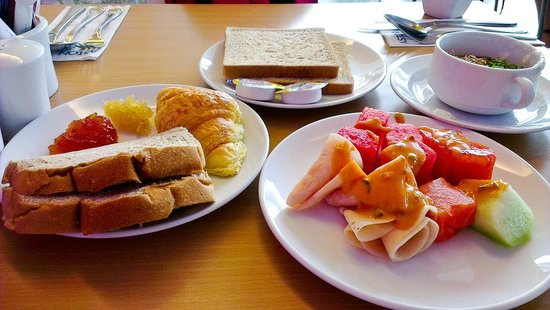 Permata Kuta Hotel:                   Great breakfast i feel, try they papaya jam