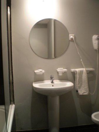 Epico Recoleta Hotel: el baño