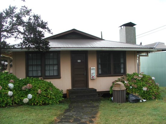 Kilauea Volcano Military Camp: Cottage #24 Front