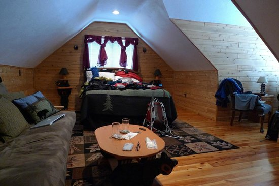 The Agate Cross Bed & Breakfast, LLC:                   Black Bear Honeymoon suite - looking toward the windows