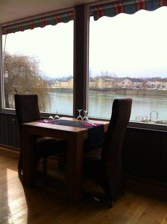 LES JARDINS DE LA SAONE :                                     une jolie vue sur la Saône.
