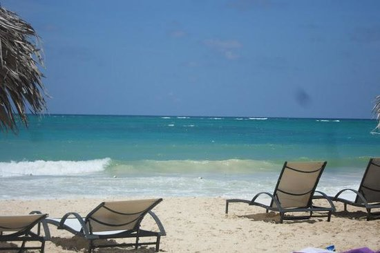 Paradisus Punta Cana Resort:                   Another great day at the beach