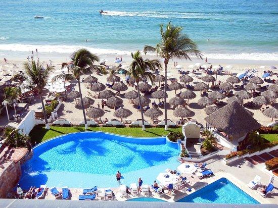 Tropicana Hotel: Pool