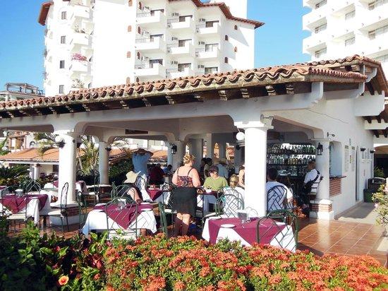 هوتل تروبيكانا: Restaurant