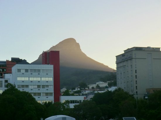 Cape Heritage Hotel:                   View from Jacuzzi on roof - Lion's Head