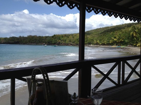 Ti Kaye Resort & Spa:                   Eating lunch at the beach bar