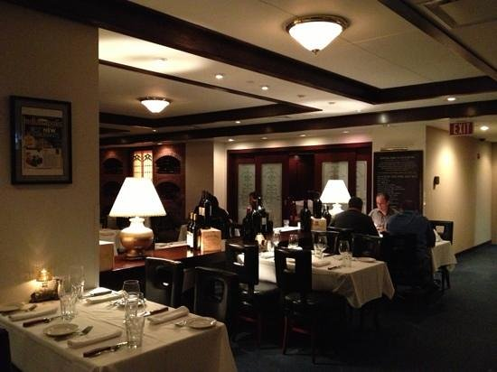 Morton's - The Steakhouse: restaurant area